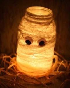 strasna svetleča mumija