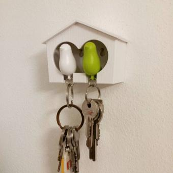 Mini obesek in hišica za ključe vrabec – dvojen – belo, zelena