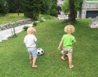 8-idej-za-brezplačne-in-poceni-dejavnosti-z-otroki1 – kopija