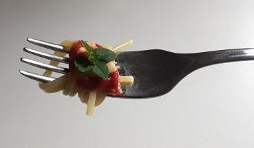 kako-italijani-jedo-špagete1-1
